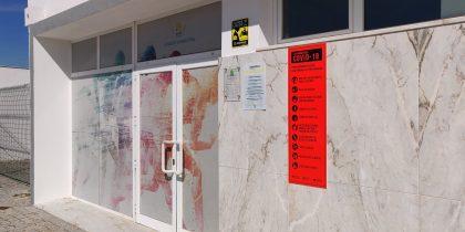 Sinalética de segurança e prevenção em espaços municipais